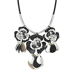 Mood - Shell charm flower necklace