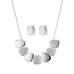Mood - Silver polished pebble necklace and earring set