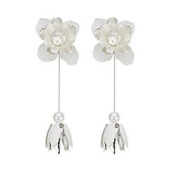 Red Herring - White flower statement earring