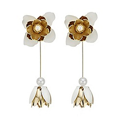Red Herring - White flower statement earring
