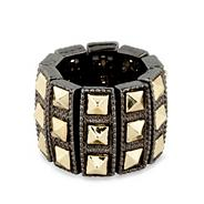 Spike stretch ring