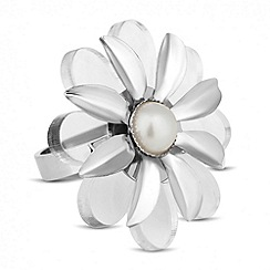 Red Herring - Perspex pearl flower ring