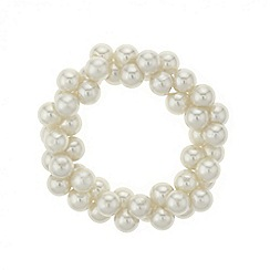 Red Herring - Cream pearl cluster stretch bracelet