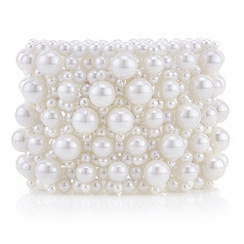 Red Herring - Cream pearl lattice stretch bracelet