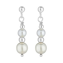 Simply Silver - Sterling silver graduated pearl earring