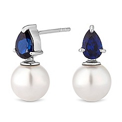 Simply Silver - Sterling silver pearl earrings