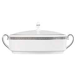 Vera Wang Wedgwood - White 'Lace' covered vegetable dish