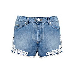 Miss Selfridge - Crochet hem denim short