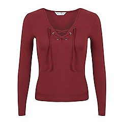 Miss Selfridge - Burgundy lace up rib top