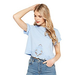 Miss Selfridge - Blue embroidered crochet t-shirt