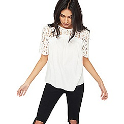 Miss Selfridge - Lace contrast poplin t-shirt