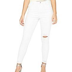 Miss Selfridge - Lizzi white busted hem jeans