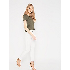 Miss Selfridge - Steffi white fray hem jeans