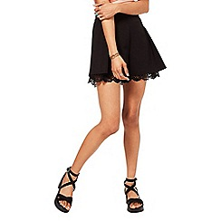 Miss Selfridge - Black lace hem short