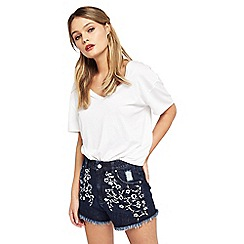 Miss Selfridge - Petites embroidered shorts