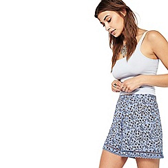 Miss Selfridge - Blue print crochet hem shorts
