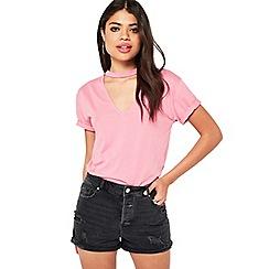 Miss Selfridge - Black roll hem mom shorts