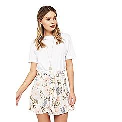 Miss Selfridge - Cream floral flippy shorts