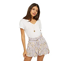 Miss Selfridge - Lilacac floral flippy shorts