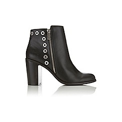 Miss Selfridge - Andora eyelet ankle boots