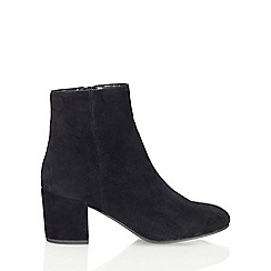 Miss Selfridge - Aura 60's block heel boot