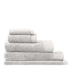 Sheridan - Pale grey 'Luxury retreat' towel