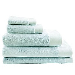 Sheridan - Light Green 'Luxury Retreat' towels