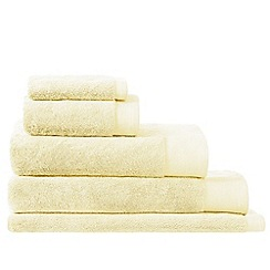 Sheridan - Butter 'Luxury retreat collection' towel
