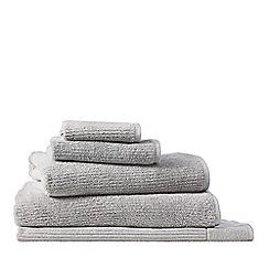 Sheridan - Light grey 'Living Textures' towels
