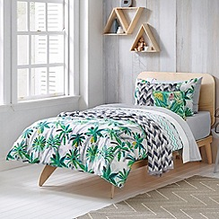 Sheridan - green 'Holidaze' kid's bed linen