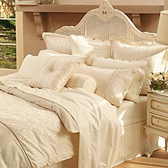 Sheridan - Cream 'Damask' bed linen