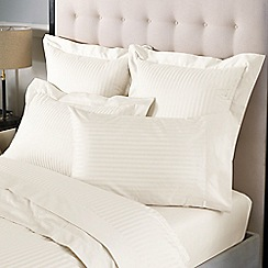 Sheridan - Cream 1200 thread count 'Millennia' pillow case pair