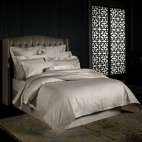 Sheridan - Dark cream +Millennia+ bed linen