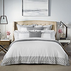 Sheridan - White 400 thread count 'Wheatly' duvet cover