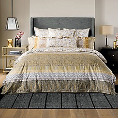 Sheridan - Gold 300 thread count 'Mercurio' square sham pillow case