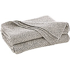 Sheridan - Pale grey 'Earley' throw