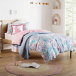Sheridan - Red 200 thread count 'Florette' bedding set