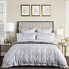 Sheridan - Silver 200 thread count 'Jarmen' bedding set