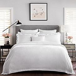 Sheridan - White 400 thread count 'Tindall' bedding set