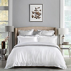 Sheridan - Pale grey 'Bereford' bedding set