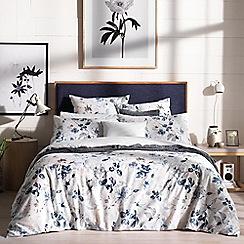 Sheridan - Dark purple 220 thread count 'Bowerie' bedding set