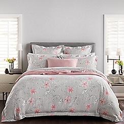 Sheridan - Silver 240 thread count 'Serrano' bedding set