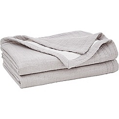 Sheridan - Dark grey 'Fortide' throw