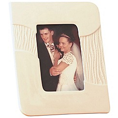 Belleek Living - Ivory 'Sandwave' 6X4 Photo Frame