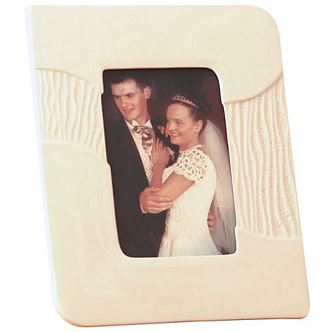 Belleek Living - Ivory +Sandwave+ 6X4 Photo Frame