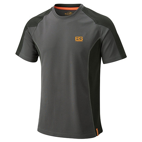 Bear Grylls - Black pepper short sleeved base tee