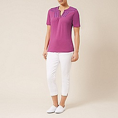 Dash - Notch neck tee