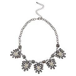 Kaliko - Statement leaf necklace