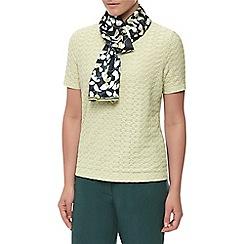 Eastex - Chateaux leaf scarf