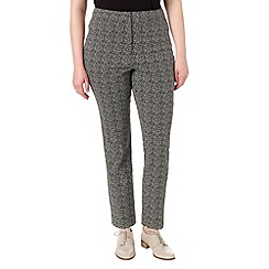 Studio 8 - Sizes 16-24 Black and white alexa jacquard trousers